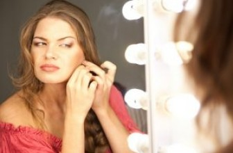 Top 10 Best Lighted Makeup Mirrors – 2017 Reviews